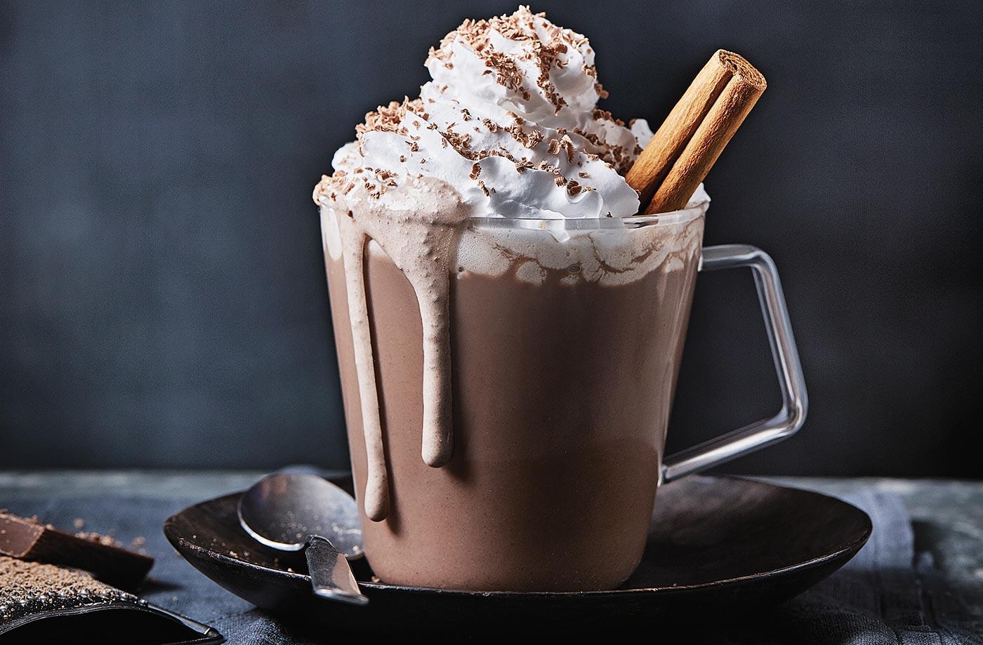با پودر کاکائو چه نوشیدنی می توان درست کرد